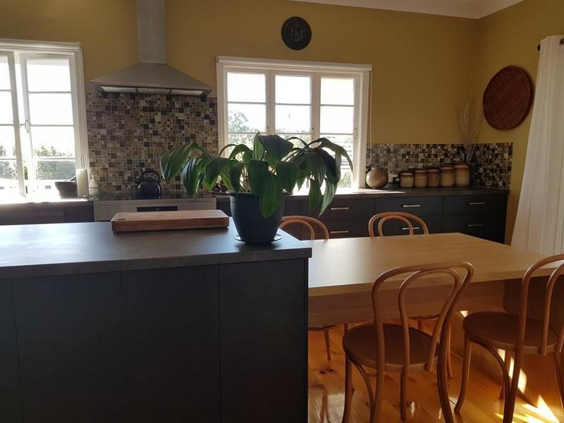 Polytec Feldspar Shimmer Cabinetry / EGGER Dark Concrete & Elegant Oak  benchtops